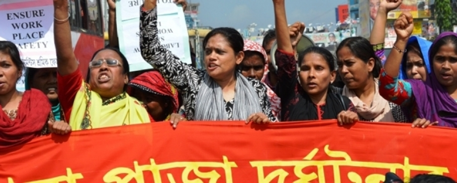 Workers demonstrate for compensation and safe conditions after Rana Plaza building collapse, Bangladesh | Photo: Awaj Foundation